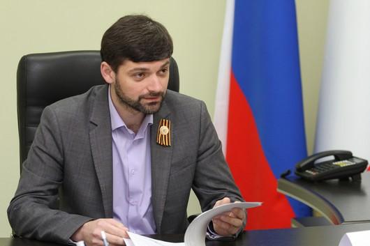 Коллаборанты Кремля из Крыма хотят заставить украинцев, приезжающих на оккупированный полуостров, носить георгиевские ленты