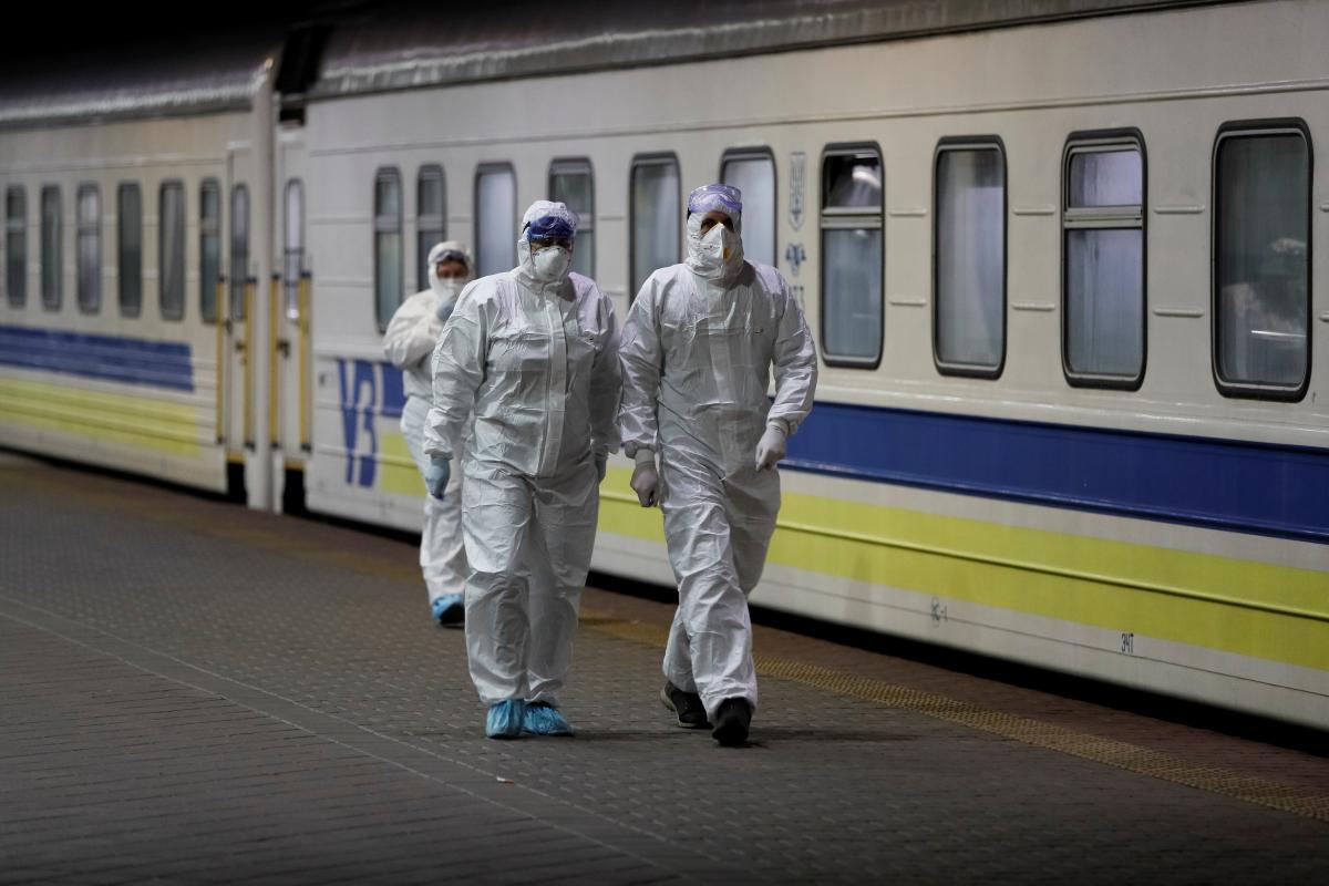 Назван главный источник попадания коронавируса COVID-19 в Украину