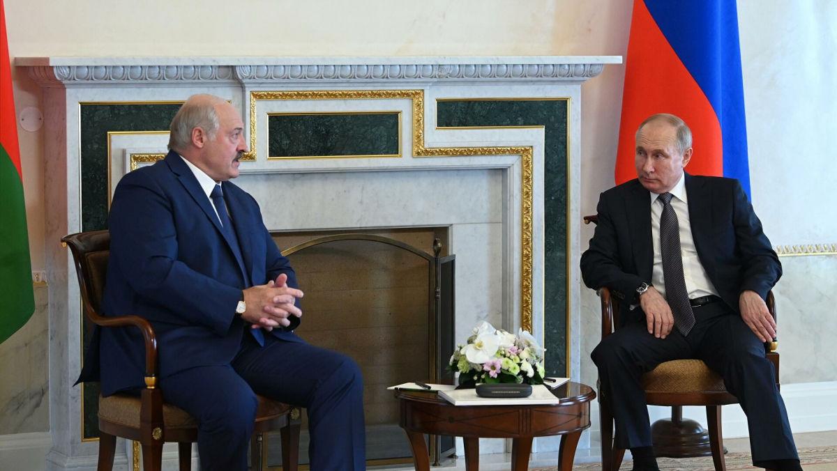 Слова Лукашенко о сроках интеграции Беларуси и РФ вызвали у Путина нервное подергивание ног
