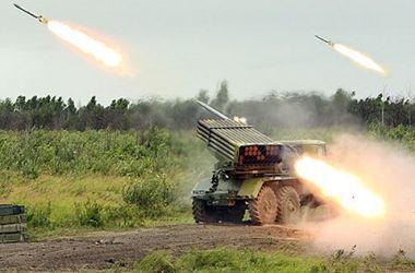 """Пресс-центр АТО: украинские военные подверглись обстрелам из """"Града"""""""