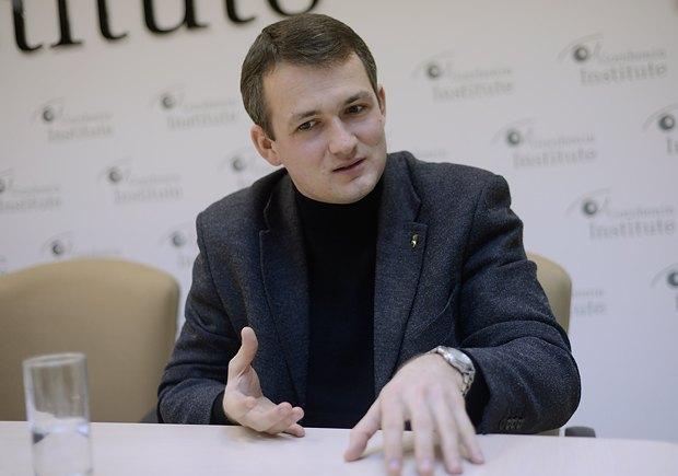 Юрий Левченко: Ситуацию в Луганске нужно решать силовым путем