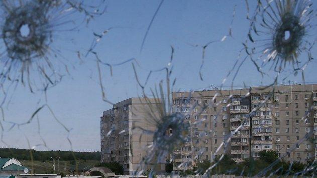 Обстрел Докучаевска и Донецка: выпущены десятки мин, сгорели два дома