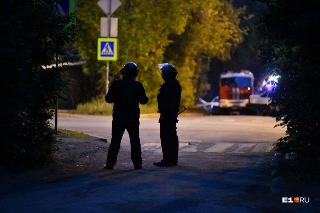 Взрыв, пожар и заложник: последние подробности о задержании стрелка в Екатеринбурге