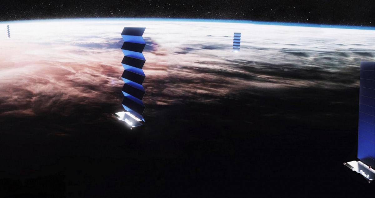 """Спутники Starlink """"рассекретили"""": Илон Маск ответил на обвинения астрономов и сказал, что будет дальше"""