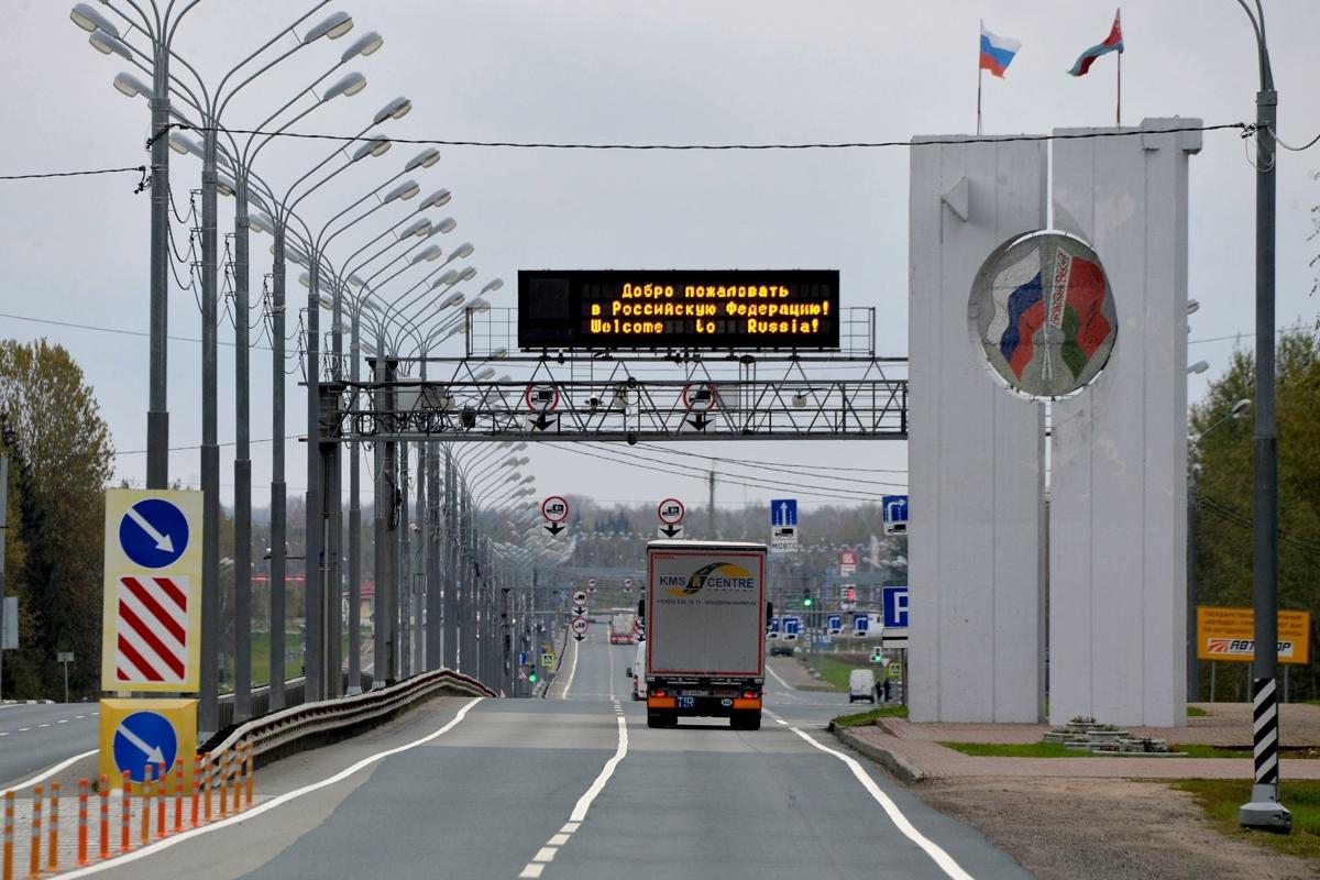 Лукашенко закрывает границы - через 7 дней белорусы не смогут покинуть страну