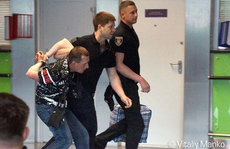 """Геращенко рассказал о """"беспределе аваковских полицаев"""" в аэропорту Борисполя - фотофакт"""