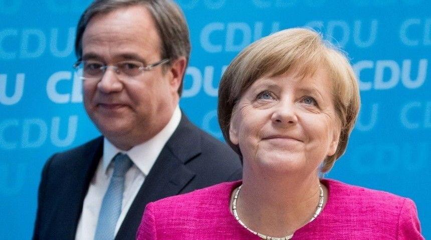 Наводнение в Германии: преемник Меркель извинился за улыбку во время визита к жертвам
