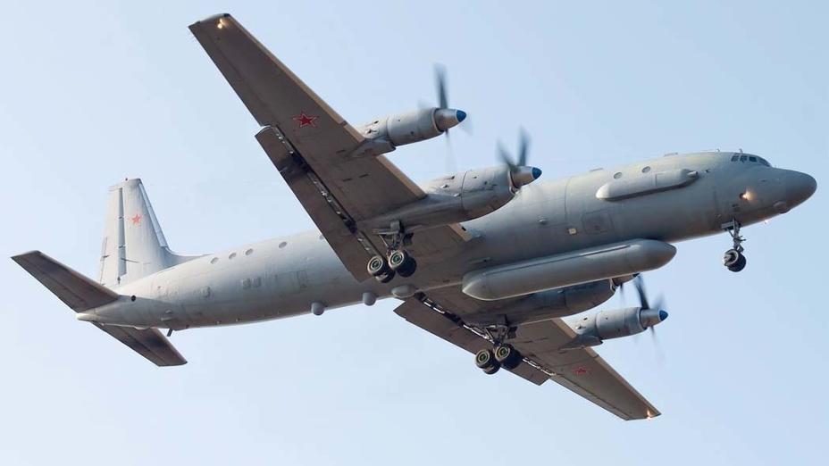 Кремль попал под горячую руку: Сирия сбила самолет РФ с людьми на борту во время атаки Израиля