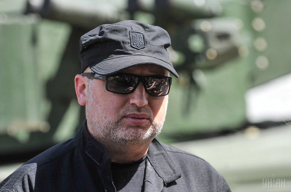 Чтобы ни один вражеский агент или террорист не попали в Украину: Турчинов анонсировал новые правила въезда россиян в Украину