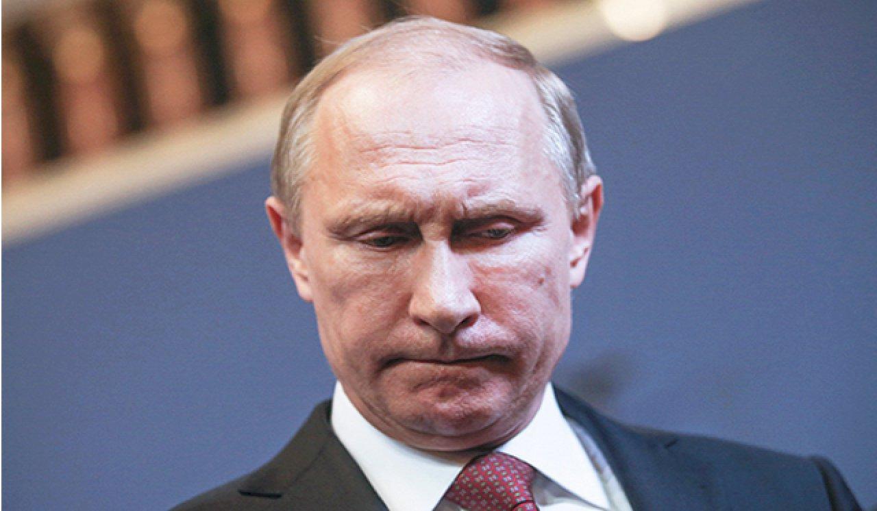 Путин опять удивил соцсети странным поведением на публике: появилось видео из его кабинета