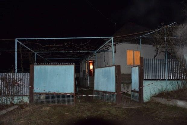 Подробности смертельной драмы на Закарпатье: убив 2-летнюю дочь и ранив родного отца, 28-летняя женщина пыталась покончить с собой