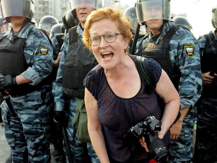"""""""Граждане Украины! Отплывайте от нас подальше, отталкивайтесь всем, чем можно. И никогда - слышите, никогда и ни за что не приплывайте обратно!"""" - российская журналистка наглядно показала, насколько сильно в РФ ненавидят Украину"""