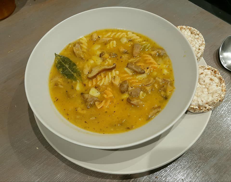 Рецепт быстрого приготовления полезного и легкого тыквенного супа с грибами