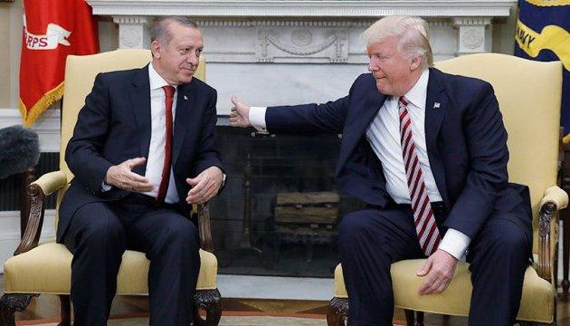 """""""Это - все ваше, мы закончили"""", - Трамп """"подарил"""" Эрдогану Сирию"""