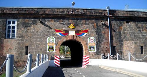 """Российских военных """"убирают"""" в армянском Гюмри: найден зарезанным военнослужащий Дмитрий Лапаев"""