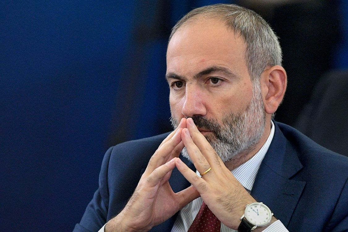 Пашинян сдержал обещание и подал в отставку с поста премьера Армении