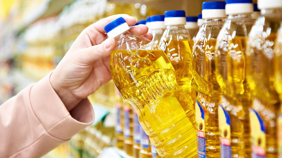 Подсолнечное масло в Украине стало дороже, чем в ЕС: Кабмин ограничивает экспорт