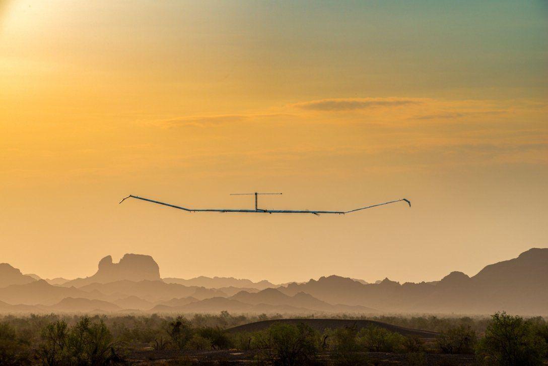Wi-Fi на солнечных батареях: электросамолет, беспосадочно летая 18 дней, раздавал Интернет из стратосферы