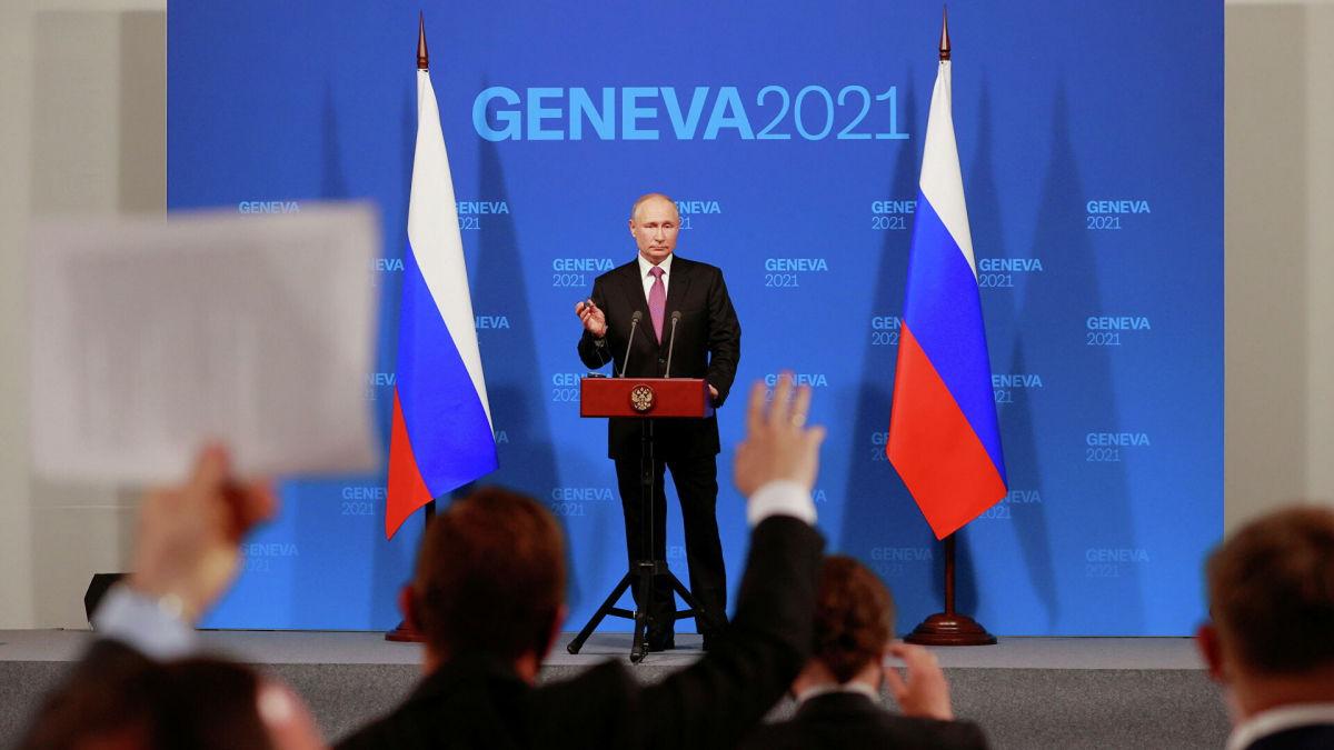 """Путин пожаловался на военную активность США: """"Мы не подтаскиваем свою технику к их границам"""""""