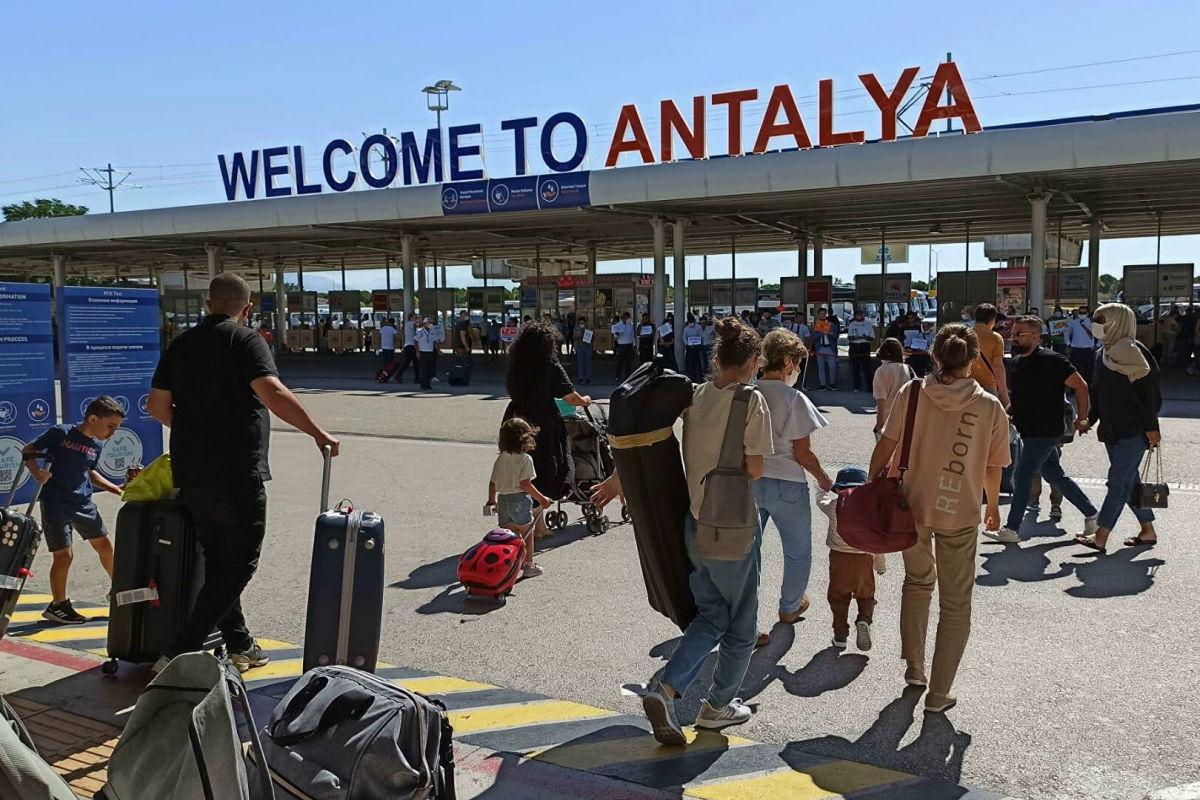 Туристическую сферу РФ лихорадит после слов Эрдогана о Крыме - туроператоры опасаются худшего