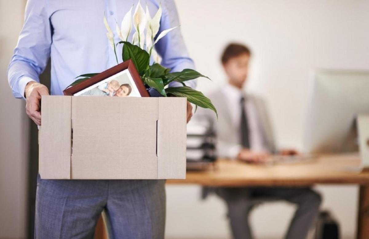 Увольнение с работы: виды и обстоятельства