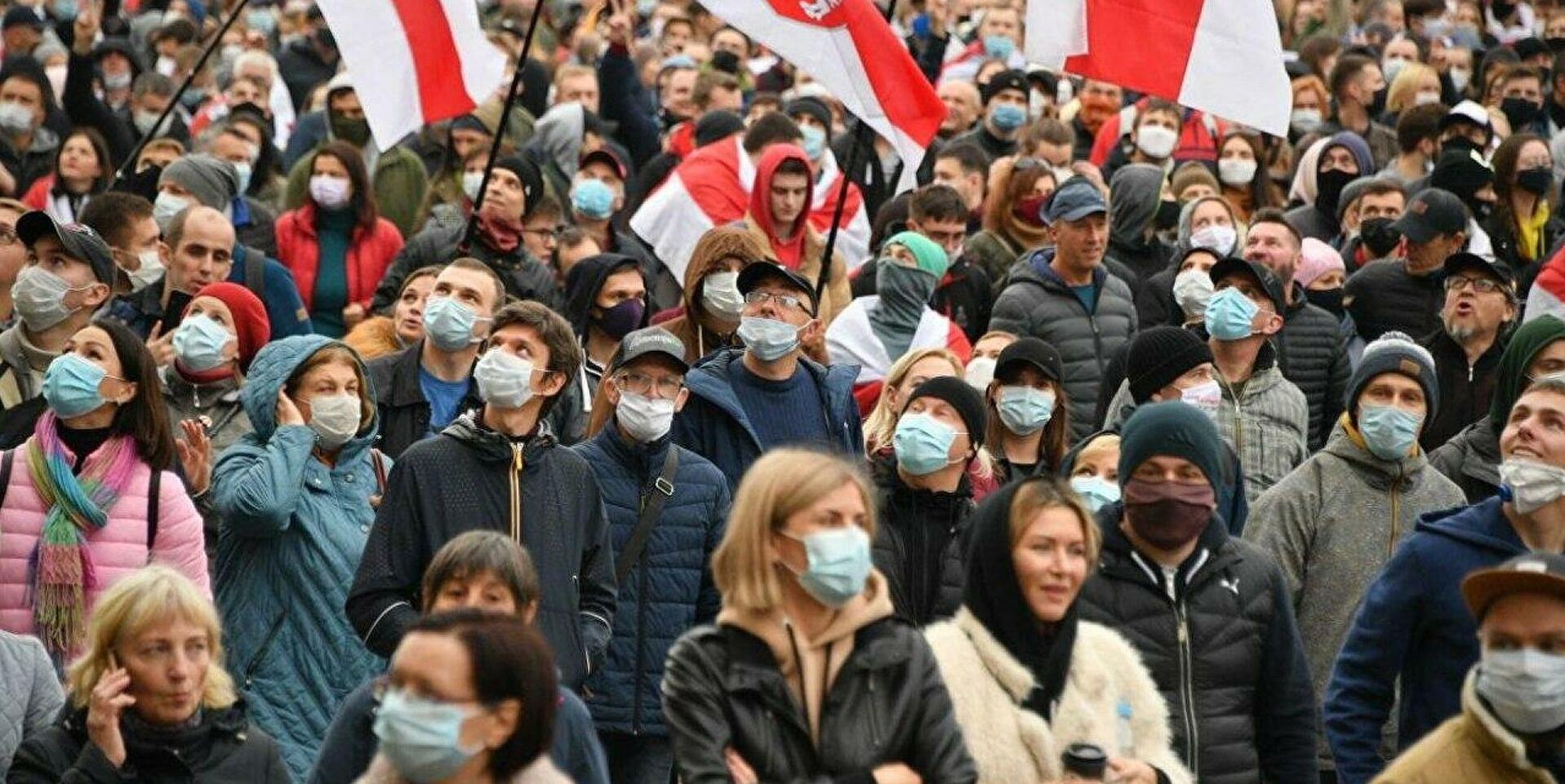 Студенты и пенсионеры Беларуси восстали против Лукашенко - кадры из Минска обошли Сеть