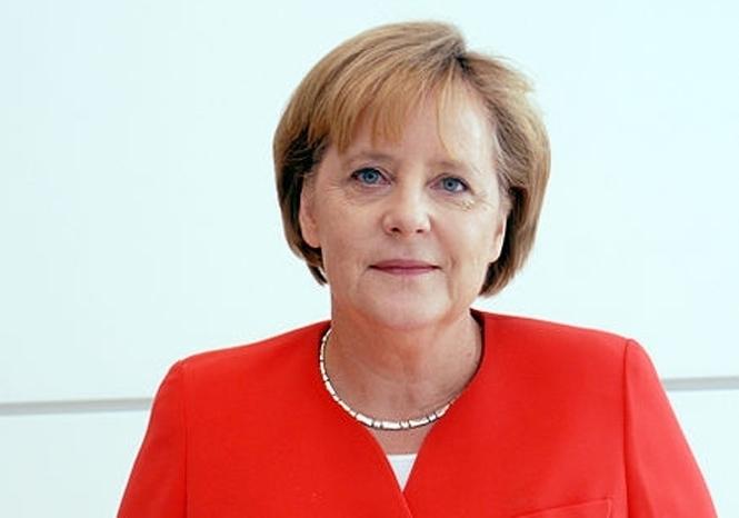 Голая Ангела Меркель (3 фото)