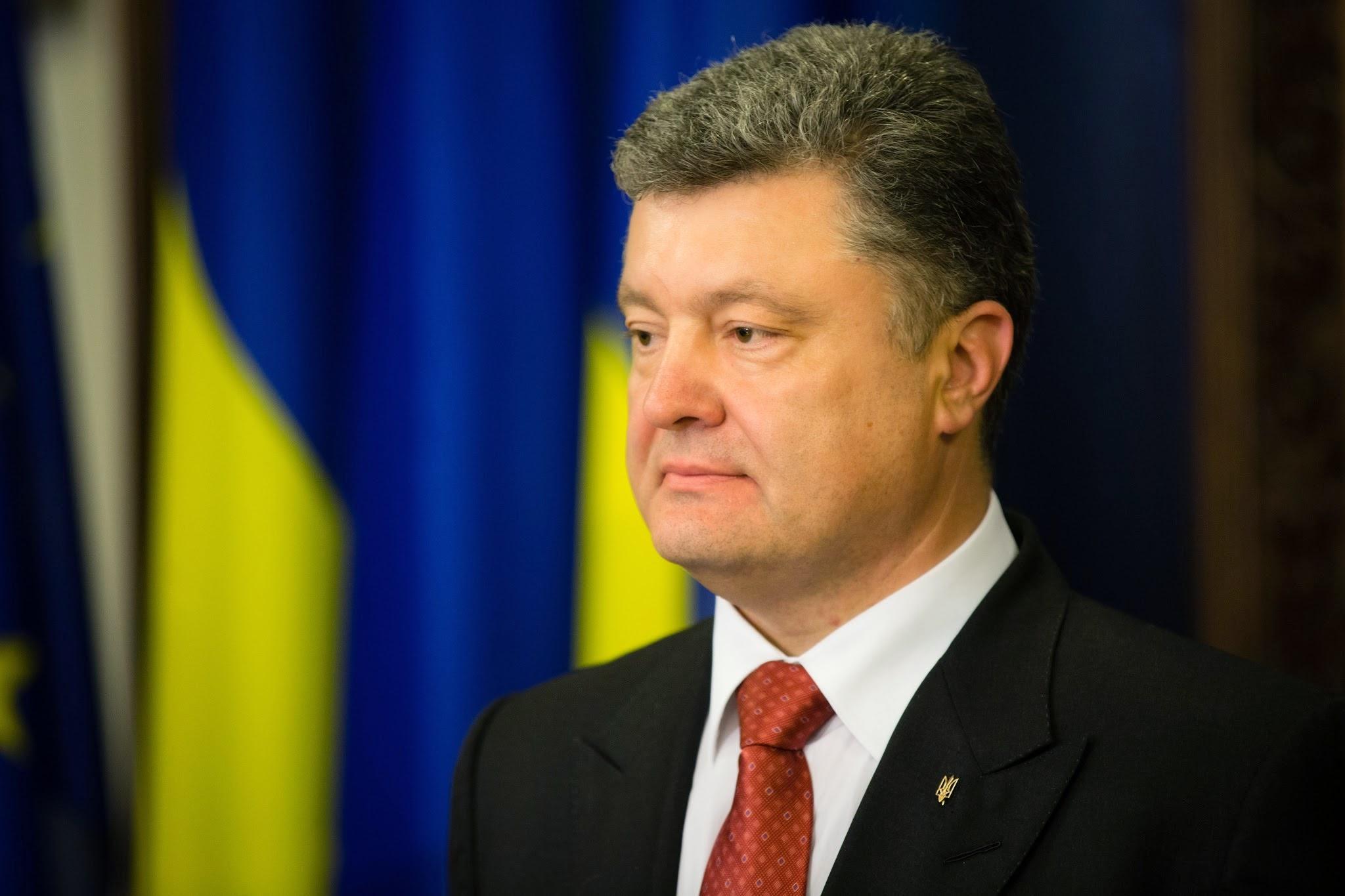"""Президент Украины Порошенко просто """"разорвал"""" Россию, потому что на фоне Путина он настоящий эталон правды, - Михайленко"""