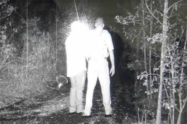 """Охотники на йети обнаружили в лесу """"сверхъестественный объект"""" - видео"""