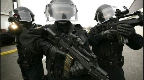 Крупнейшая спецоперация в Европе: 55 россиян задержаны в Черногории по подозрению в бандитизме и терроризме
