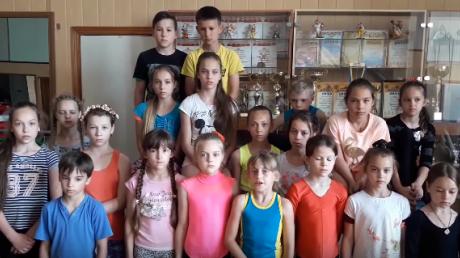 """Верните детям цирк: в Харькове дети из студии """"Старый цирк"""" объявили голодовку и записали видеообращение для бессердечных взрослых – кадры"""