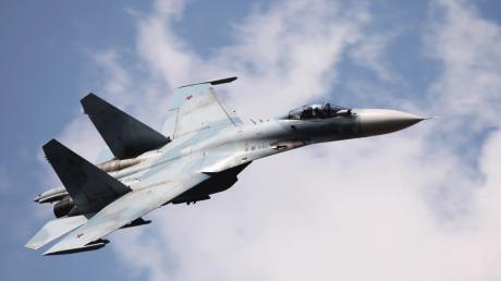Украинский Су-27 поймал российский Ил-20 на Донбассе: пилоту запретили сбивать разведчика-нарушителя