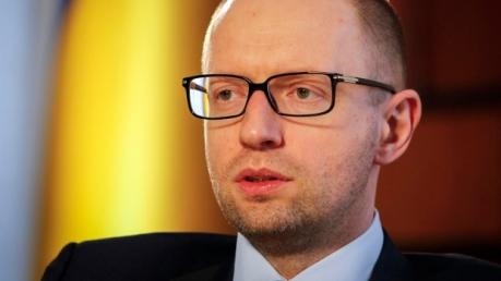 Яценюк: военного пути решения конфликта в Донбассе не существует