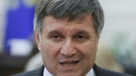 Аваков: Милиции разрешат стрелять на поражение