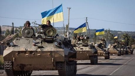 Порошенко сообщил, что ВСУ получили тысячи единиц новейшего вооружения: невероятные кадры потрясли Сеть