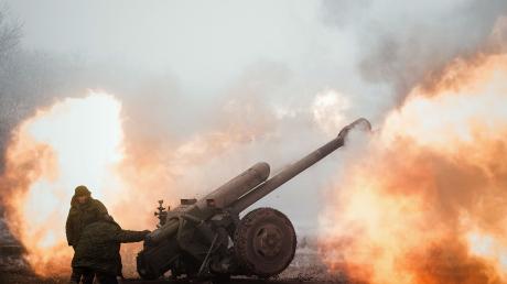 """""""Взрывы слышны по всему Донецку"""", - дончане рассказали о мощнейшем обстреле: россияне признались, что стреляют они, видео"""