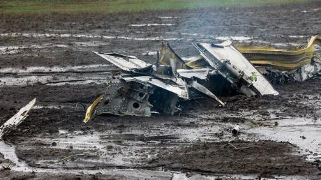 """После крушения """"Боинга-737"""" в Ростове взлетную полосу будут восстанавливать около 10 часов"""