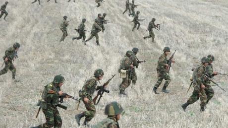Армения готовится к войне и объявляет мобилизацию: военнослужащих запаса просят явиться в военкоматы страны