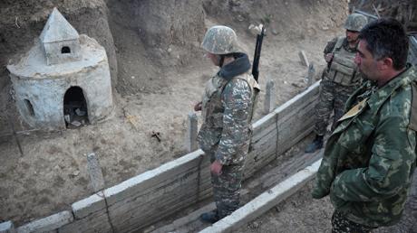 """ВС Азербайджана оказались в """"котле"""" в Карабахе: Армения пошла в наступление на юге"""