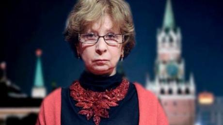 """""""Простите нас все и за все"""", - слова Ахеджаковой на фоне Кремля потрясли весь мир"""