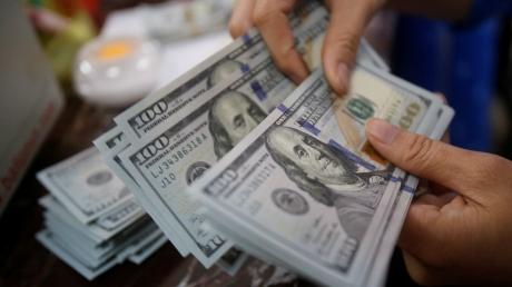 США наносят удар по 7 крупнейшим российским банкам: Вашингтон отключит РФ от мировой долларовой системы