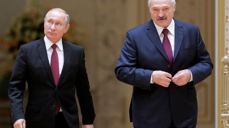 """Лукашенко протянул руку помощи России в """"нефтяной войне"""" - Кремль за это пошел на уступки"""