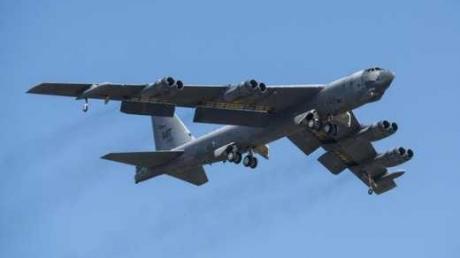 Угроза для России: США расконсервирует межконтинентальные бомбардировщики В-52H Stratofortres