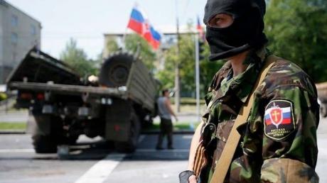Террористы в очередной раз обстреляли Станицу Луганскую: двое бойцов тяжело ранены
