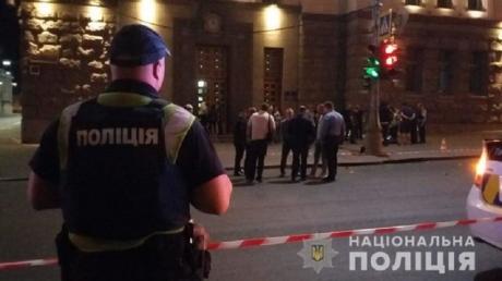 Громкое убийство полицейского всколыхнуло Харьков: первые кадры ночной стрельбы возле горсовета