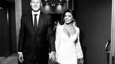 Анна Седокова стала женой двухметрового блондина Яниса, которого увела из семьи