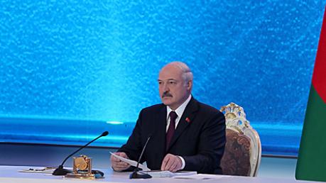 """""""Мы не станем на колени перед Россией"""", - президент Беларуси Лукашенко"""