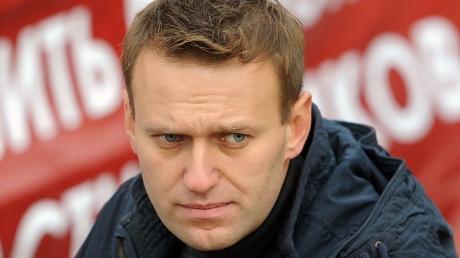 Навальный: за Немцовым вчера велось наружное наблюдение