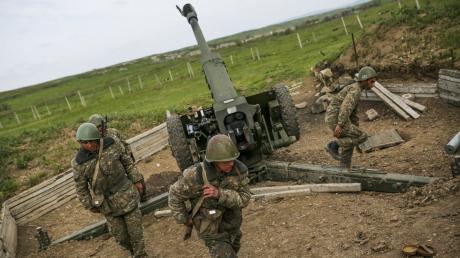Экс-депутат Госдумы РФ назвал причины долгой войны за Карабах между Ереваном и Баку