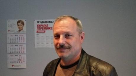 Сегодня ночью неизвестные злоумышленники забросали коктейлями Молотова дом депутата